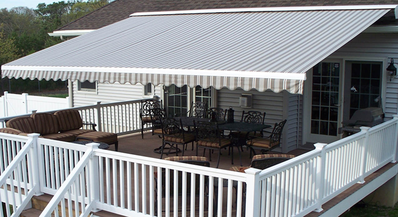 Retractable Awnings in Montreal