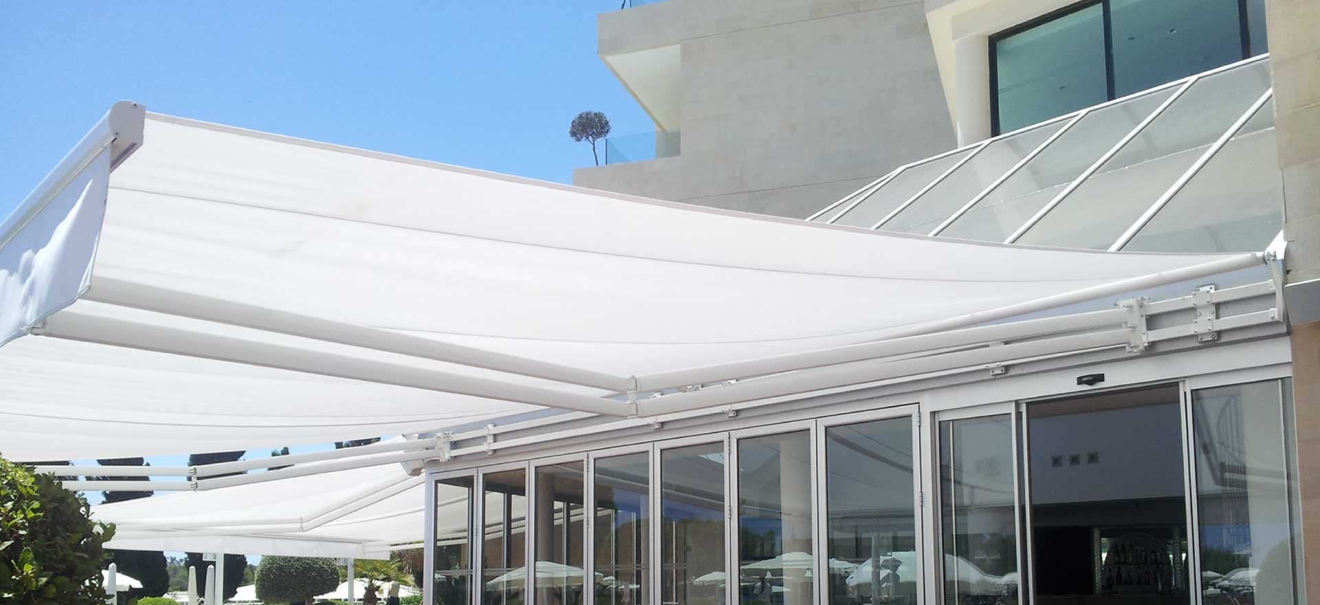 monoblock awnings with bars sold by AuventRoyal located in Montreal, Quebec, Canada