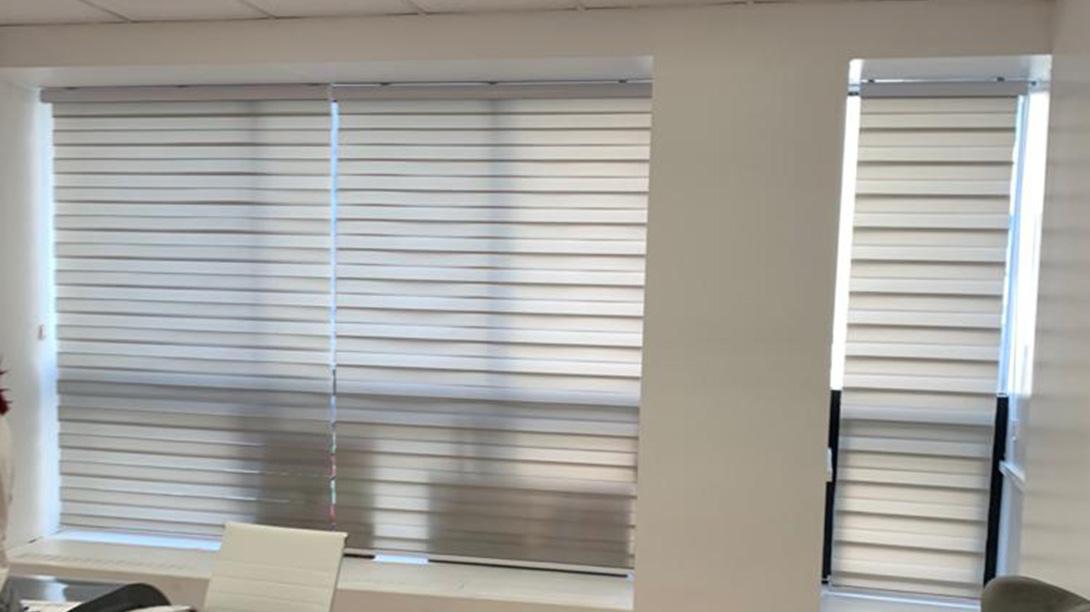 roller blinds, roller blinds in Montreal, roller blinds in laval, auventroyal roller blinds, best roller blinds